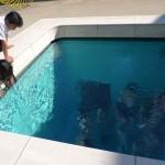 かのイースの伝説のごとく、水中に沈んださまに見える、レアンドロ・エルリッヒの「スイミング・プール」。